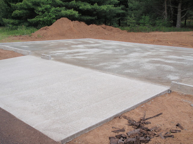 Garage Slab With 4 Curb To Build On